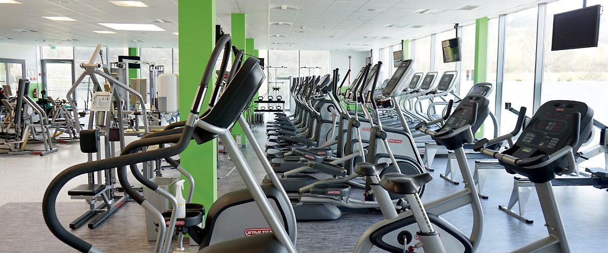 Übersicht aller Traingingsgeräte im Studio im Bereich Fitness