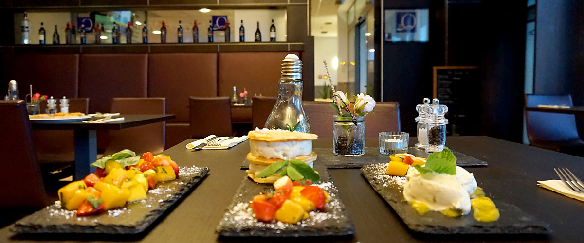 leckere Desserts im Q's Restaurant & Vinothek